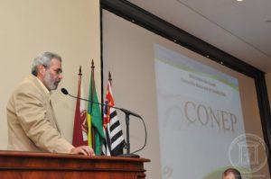 O coordenador da Conep, Jorge Venancio, na quarta edição do evento em 2015. Foto: Denise Guimarães, FOB-USP