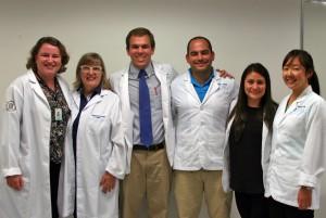 As professoras Ivy e Inge Trindade, da USP-Bauru; e os alunos Rory O'Kane, Brandon Peters, Brenda Lopez e Sun Min Lee, da UNC